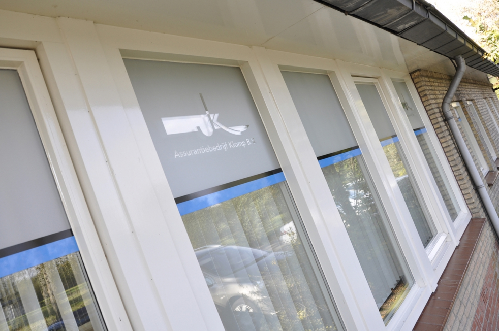 Klomp BV - Raambelettering / Raamdecoratie