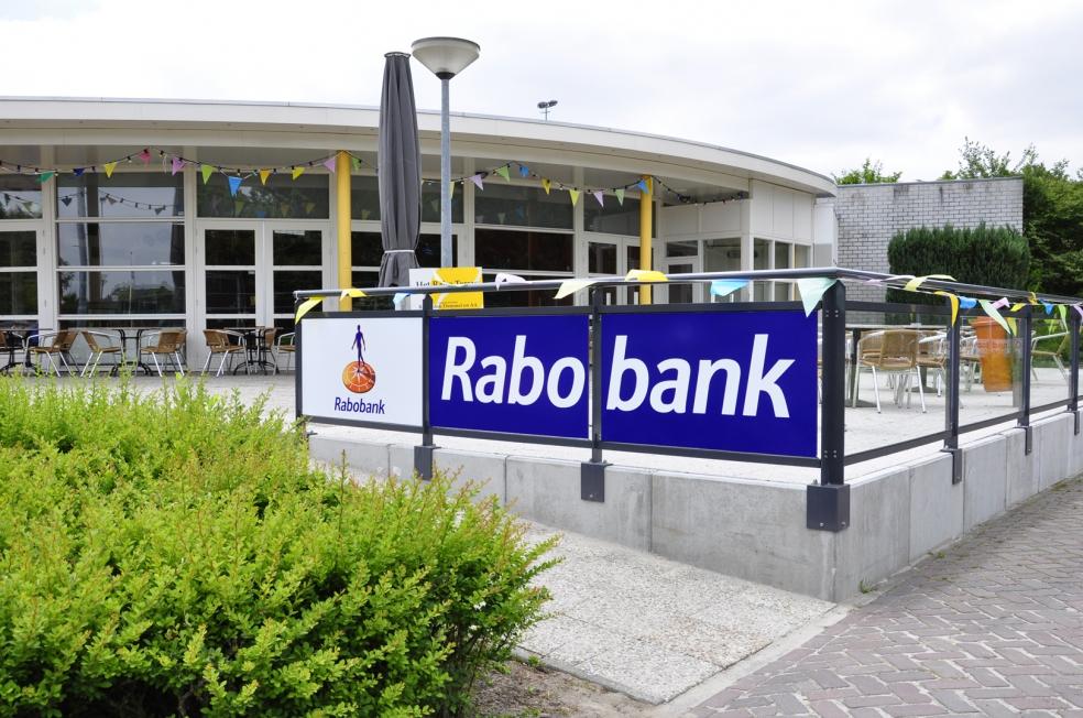 Rabobank - Terras glasplaten belettering tennisvereniging