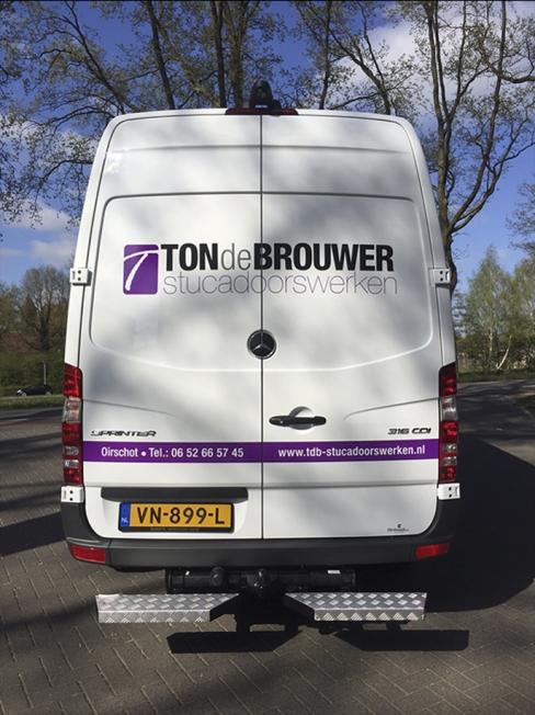 Ton de Brouwer Stucadoorswerken - Voertuigbeletteringen