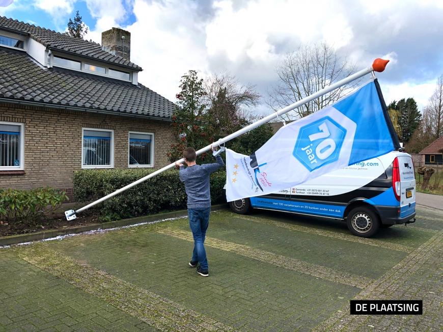Klomp BV - Vlaggenmasten en baniervlaggen