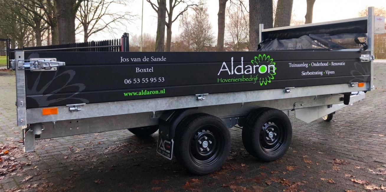 Aldaron Hoveniersbedrijf - belettering aanhanger